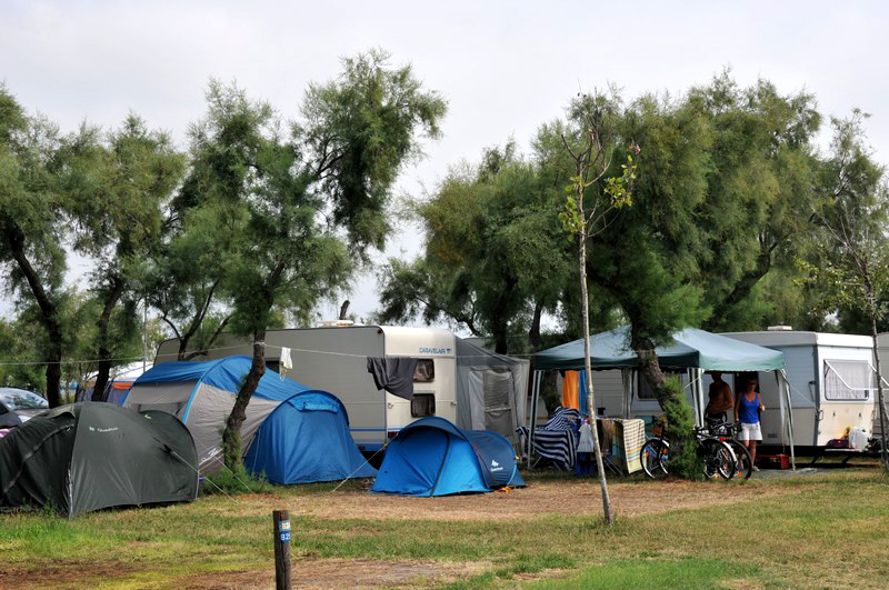 CAMPING DES ROQUILLES