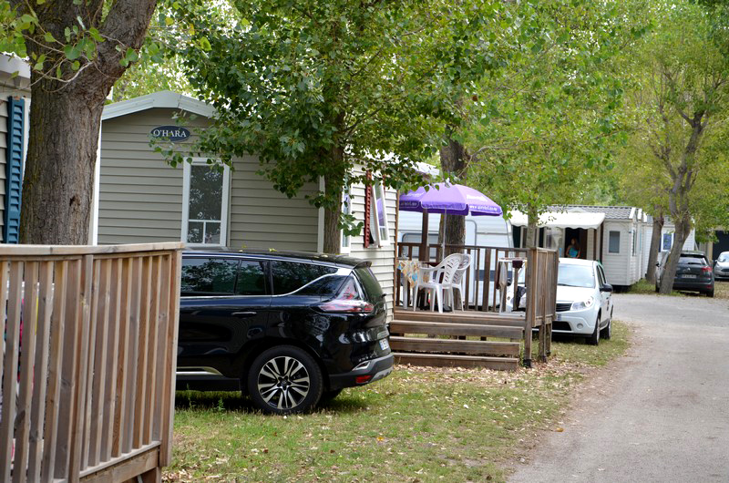 Mobil-home avec place de parking