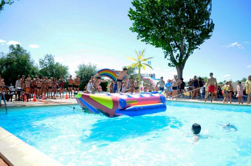Activit s en journ e pour enfants au camping les roquilles for Camping a palavas les flots avec piscine